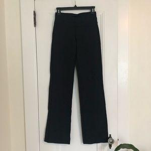 Lululemon NWOT Black Yoga Pants Size 6